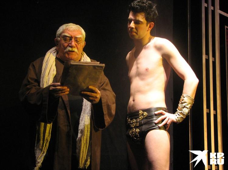 Армен Джигарханян в спектакле «Театр времен Нерона и Сенеки»
