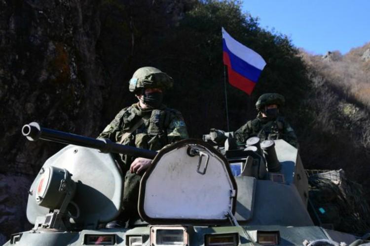 К воскресенью, 15 ноября, российские миротворцы заняли все позиции по линиям разграничения сторон конфликта. Фото: Максим БЛИНОВ/РИА Новости