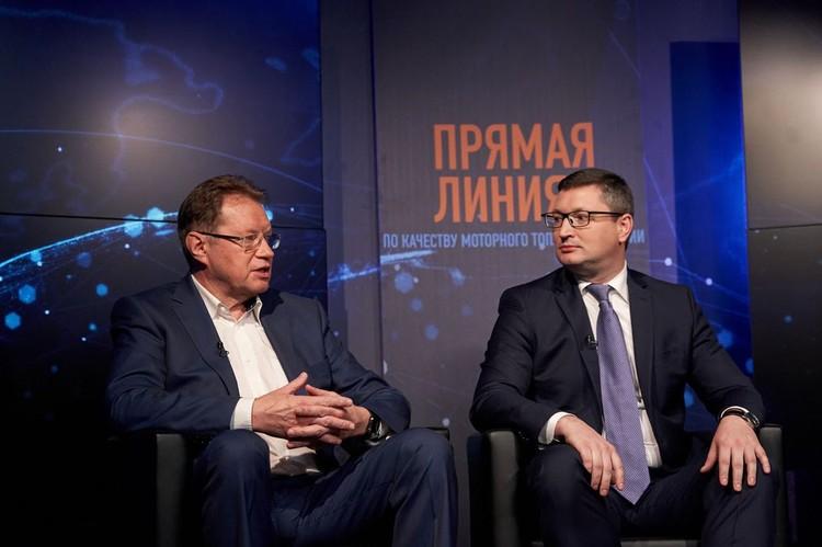 Эксперты получили от автомобилистов более 500 вопросов. Фото: Дмитрий Бурмистров.