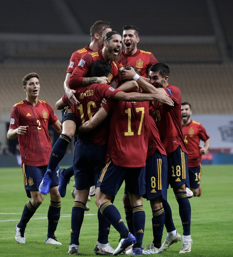 Команда радовалась победе