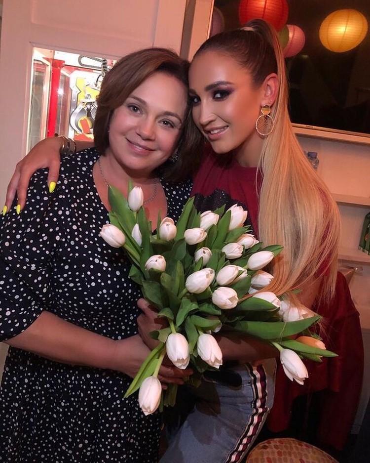 Ольга Бузова и ее мама Ирина