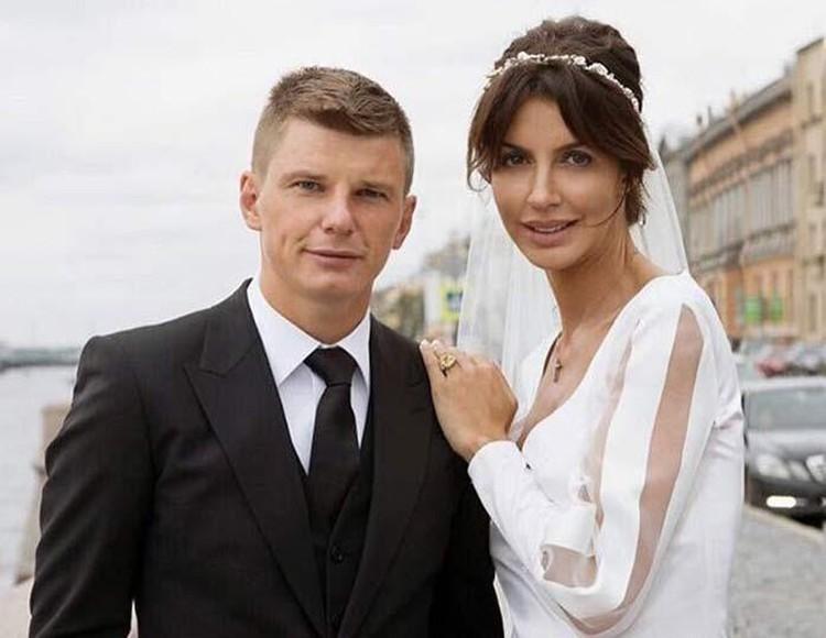 Алиса Казьмина тоже сейчас воюет в суде с экс-мужем.