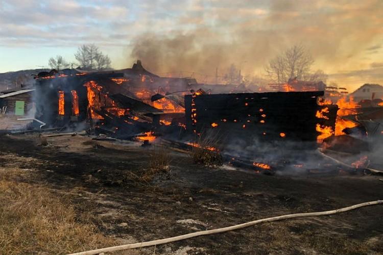 Школа выгорела дотла. Фото: ГУ МЧС России по Иркутской области