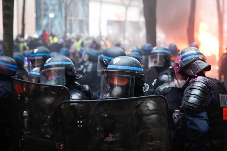 Недовольные поправкой в 24 статью проекта закона «О глобальной безопасности» граждане устроили шествие в столице