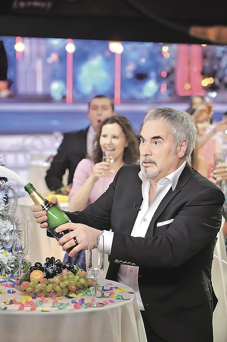 Валерий Меладзе предложил коллегам по цеху отказаться от съемок в новогодних огоньках.