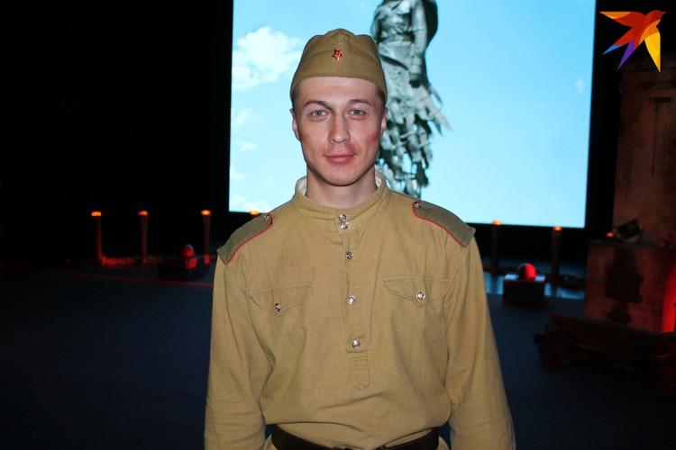 Актер Геннадий Бабинов.