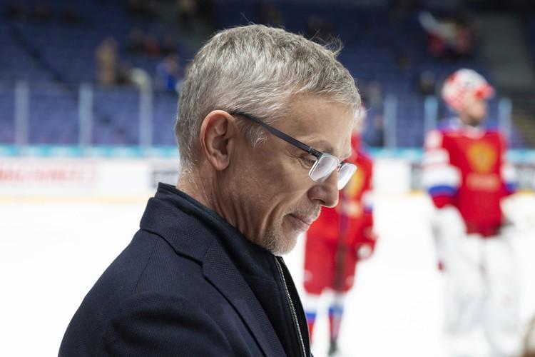 Главный тренер молодежной сборной России Игорь Ларионов.