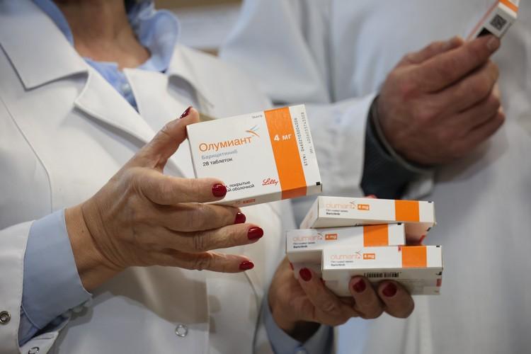 Лекарственные препараты, которые передали в ОКБ №3, предназначенными, в том числе, для лечения больных с диагнозом COVID-19.