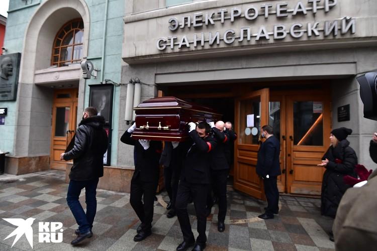 Актера похоронят на Введенском кладбище.