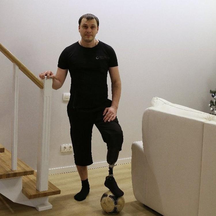 Сибиряк смог научиться с пртезом и бегать, и играть в футбол. Фото: www.instagram.com/vavan_new/