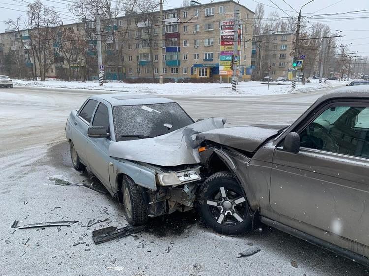 Пострадали пассажиры обоих авто