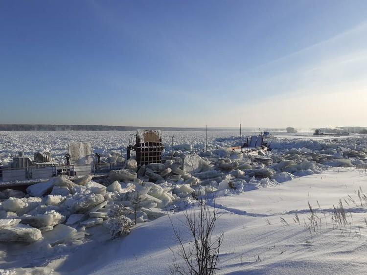 Глыбы льда на Енисее Фото: ЧП-Лесосибирск