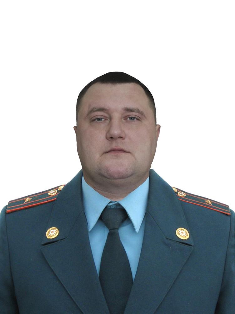 Дмитрий Куколин вынес из дома парализованную женщину.