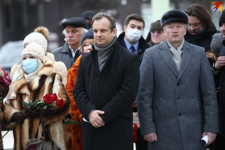 Перед гостями церемонии выступил старший советник Посольства России в Беларуси Игорь Гиренко (на первом плане слева).