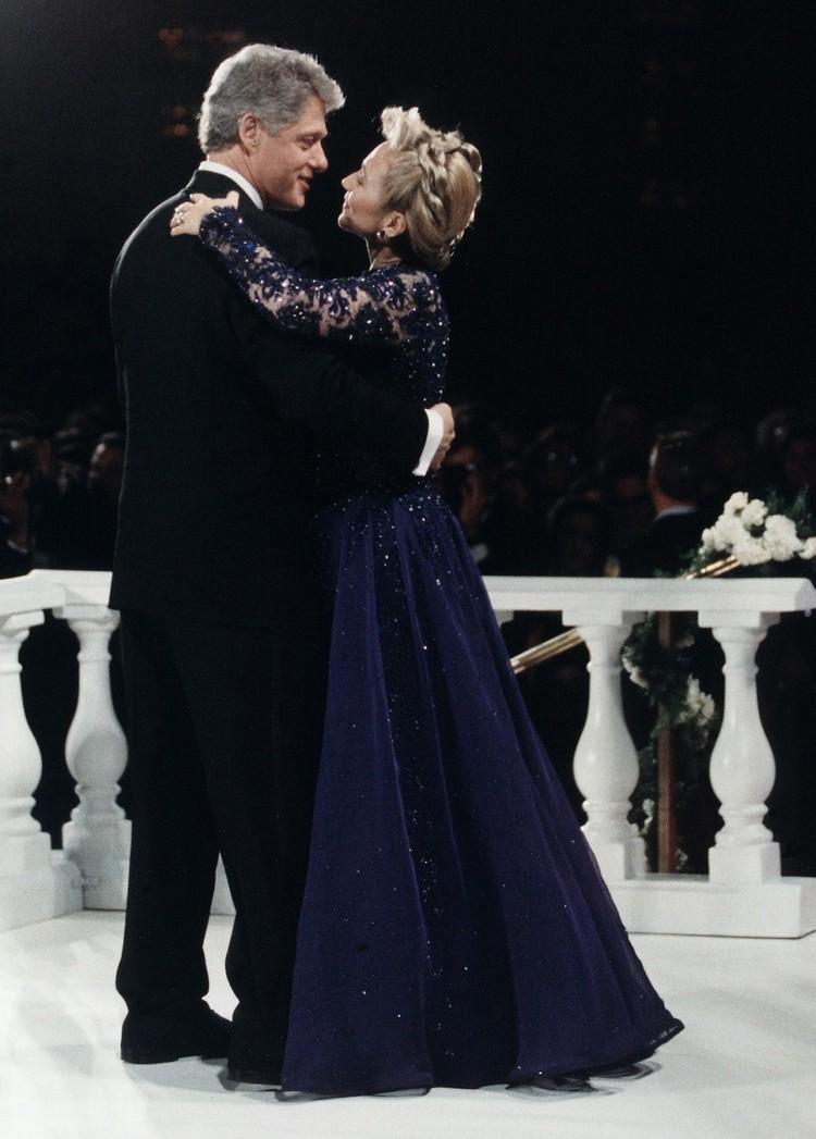 Танец cупругов Клинтонов на инаугурационном балу.