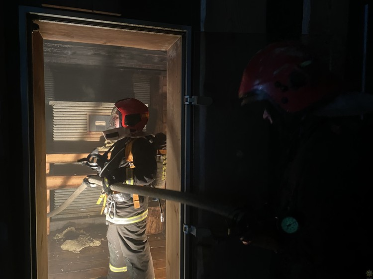 В минском элитном SPA-комплексе загорелась сауна. Фото: МЧС РБ.