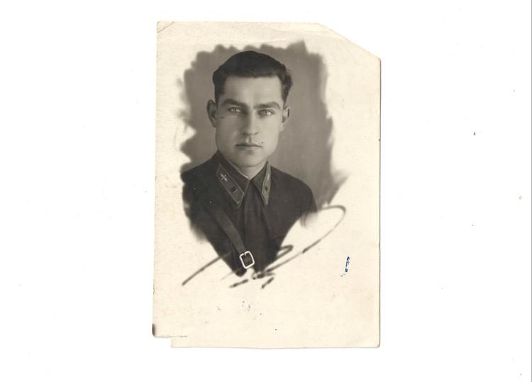 Летному делу Николай начинал учиться в Минске. Фото: личный архив