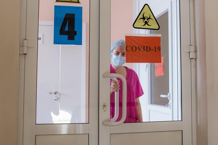 Врачи уже год борются с коронавирусом