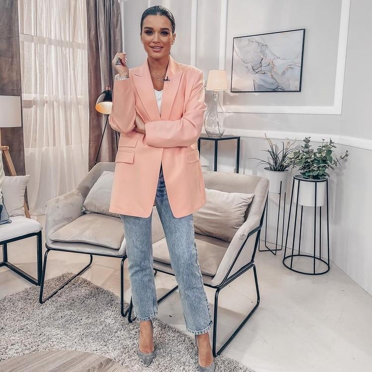 Ксения Бородина выбрала на весну модный пиджак