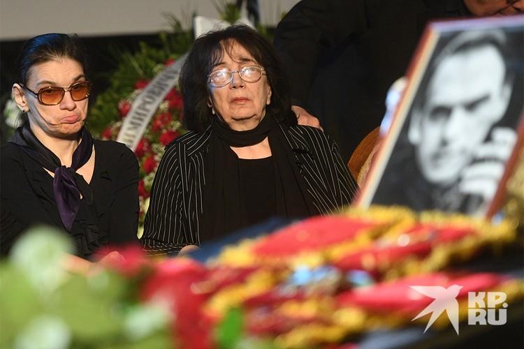 Мария Баталова и вдова актера Алексея Баталова Гитана Леонтенко.