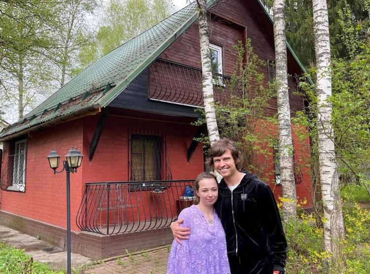 Небольшой участок в Подмосковье в 10 соток и скромный и уютный дом в 150 квадратов.