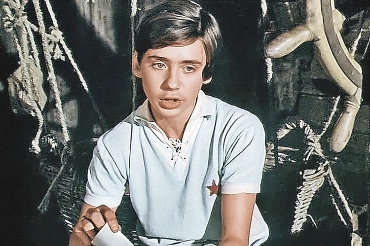 Антон Табаков стал известным, снявшись в фильме «Тимур и его команда». Фото: Кадр из фильма «Тимур и его команда», 1976 г.