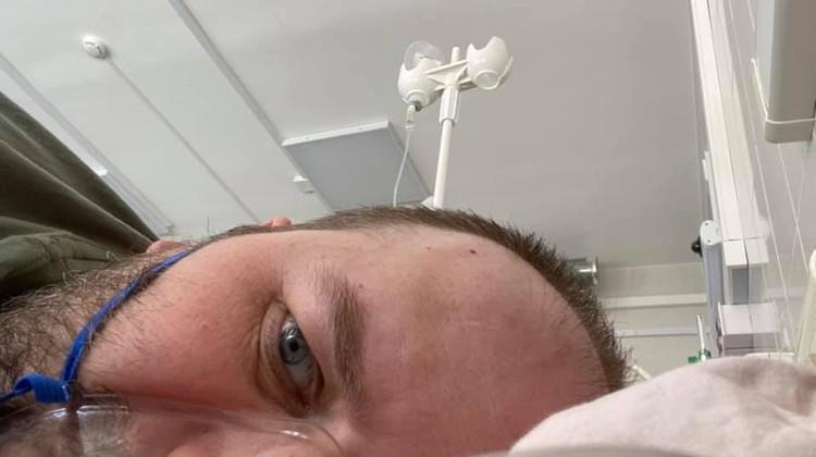 Оставаясь в тяжелом состоянии, Вадим Шатров рассказывал о том, как он себя чувствует. Фото: Facebook.