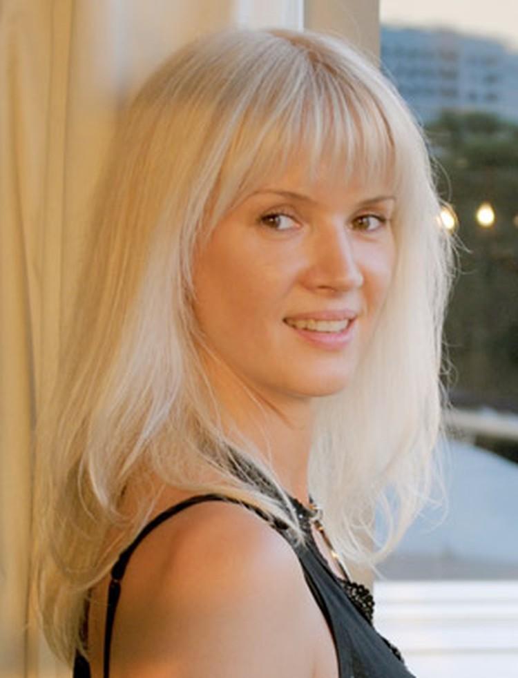 Елена Серова ушла от звездного мужа без объяснения причин. «Наверное, я просто повзрослела!» - говорит она.