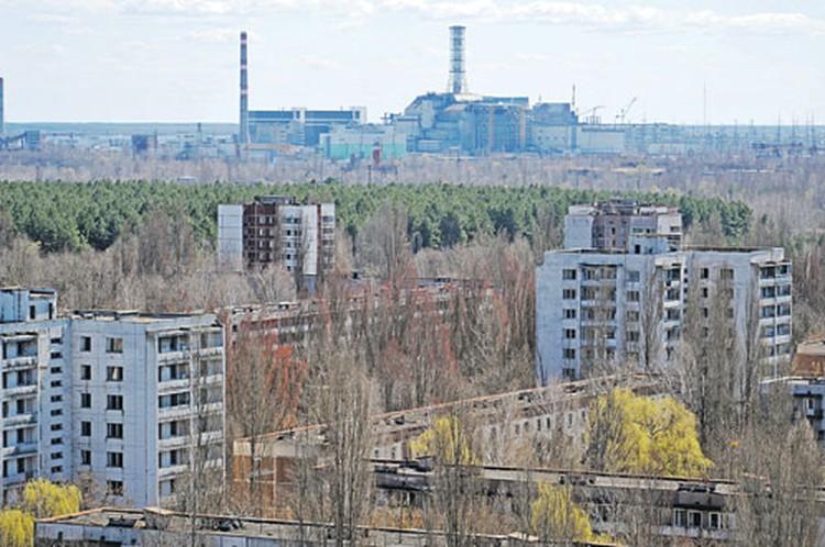 Мертвый город Припять. От эпицентра взрыва - совсем небольшое расстояние.