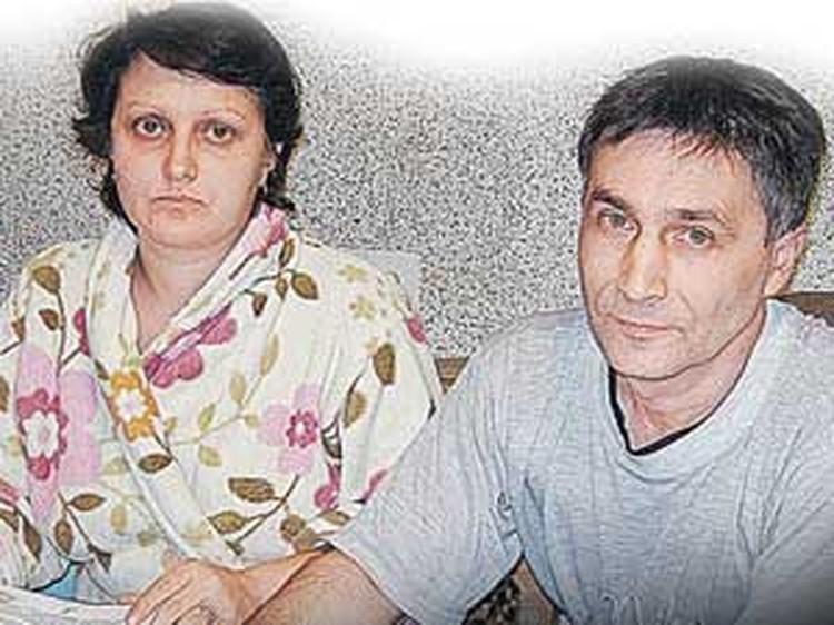 Александр Курапов с женой Натальей были вынуждены доказывать, что они - хозяева в собственном доме.