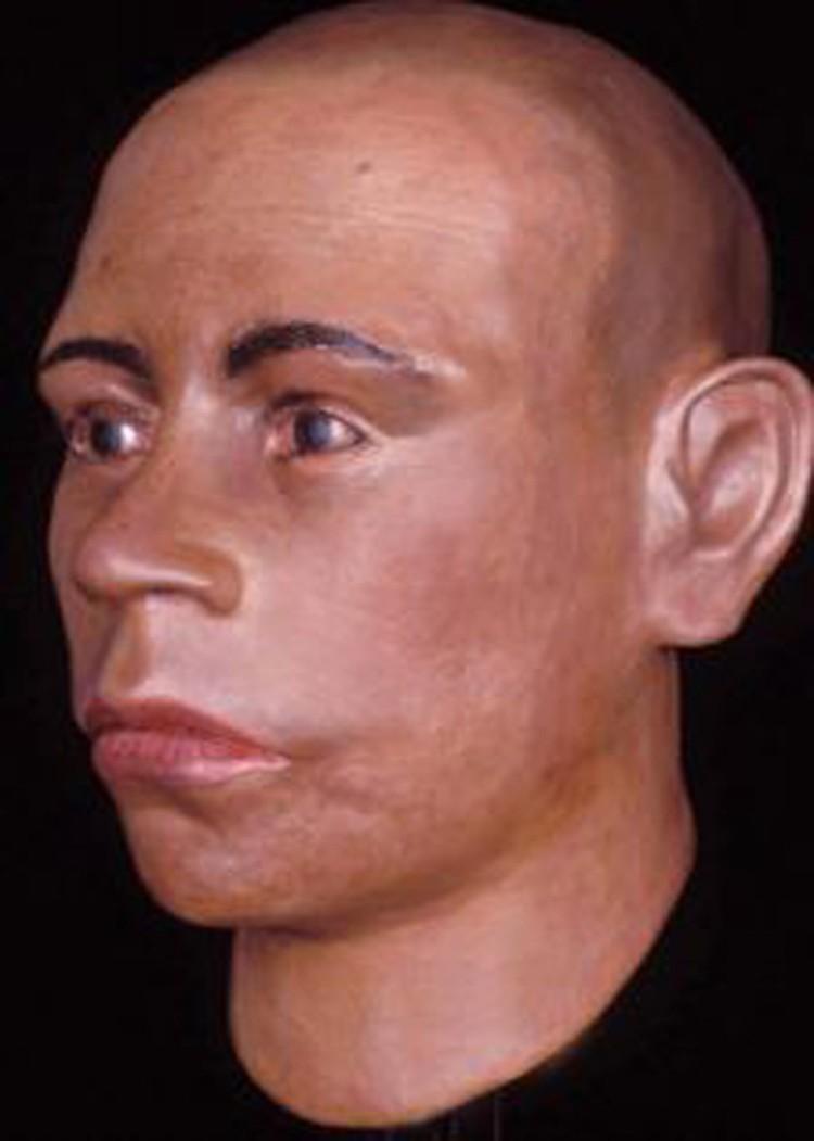 На самом деле, как теперь выяснилось, у Тутанхамона было вот такое лицо кавказской национальности