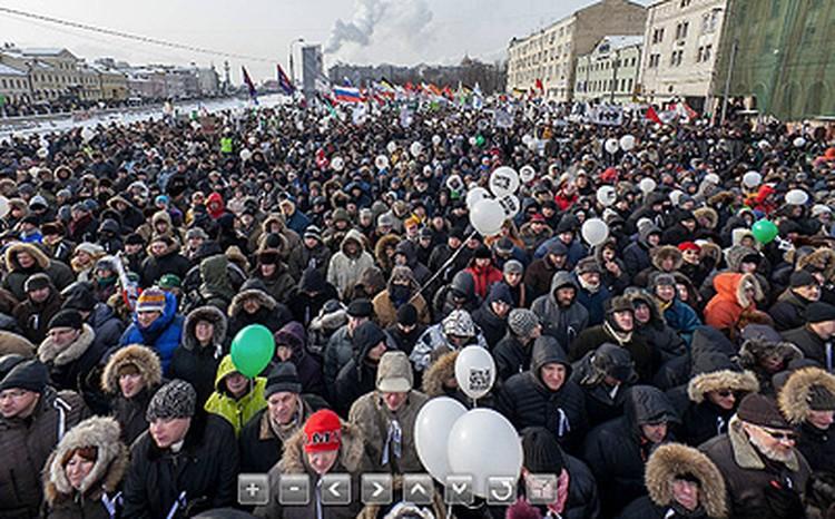 По клику - смотрите уникальную фотопанораму митинга на Болотной площади!