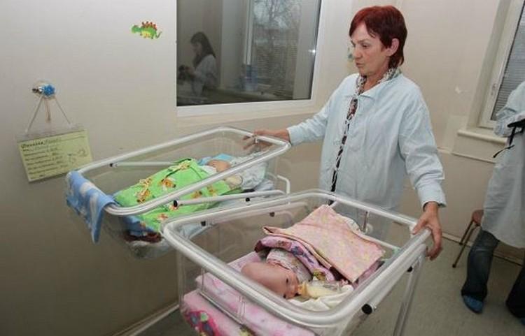 В год в Москве рождаются больше 100 тысяч малышей. Роды дома, по неофициальной статистике, выбирают около 2 тысяч семей.