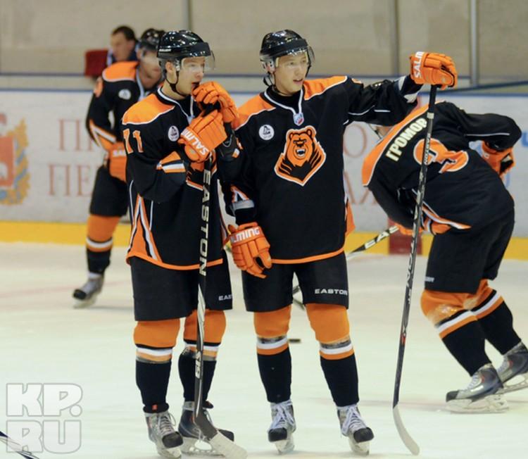 Владислава (слева) и Вячеслава Ушениных в форме действительно невозможно различить.