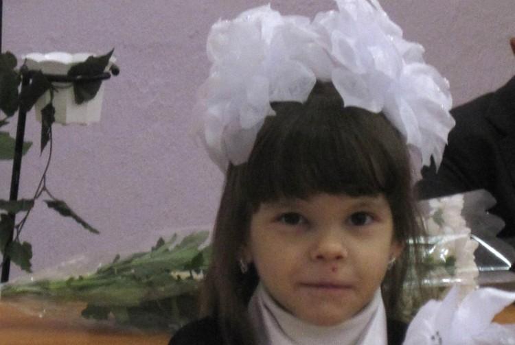 Первого сентября 2011 года девочка пошла в школу.