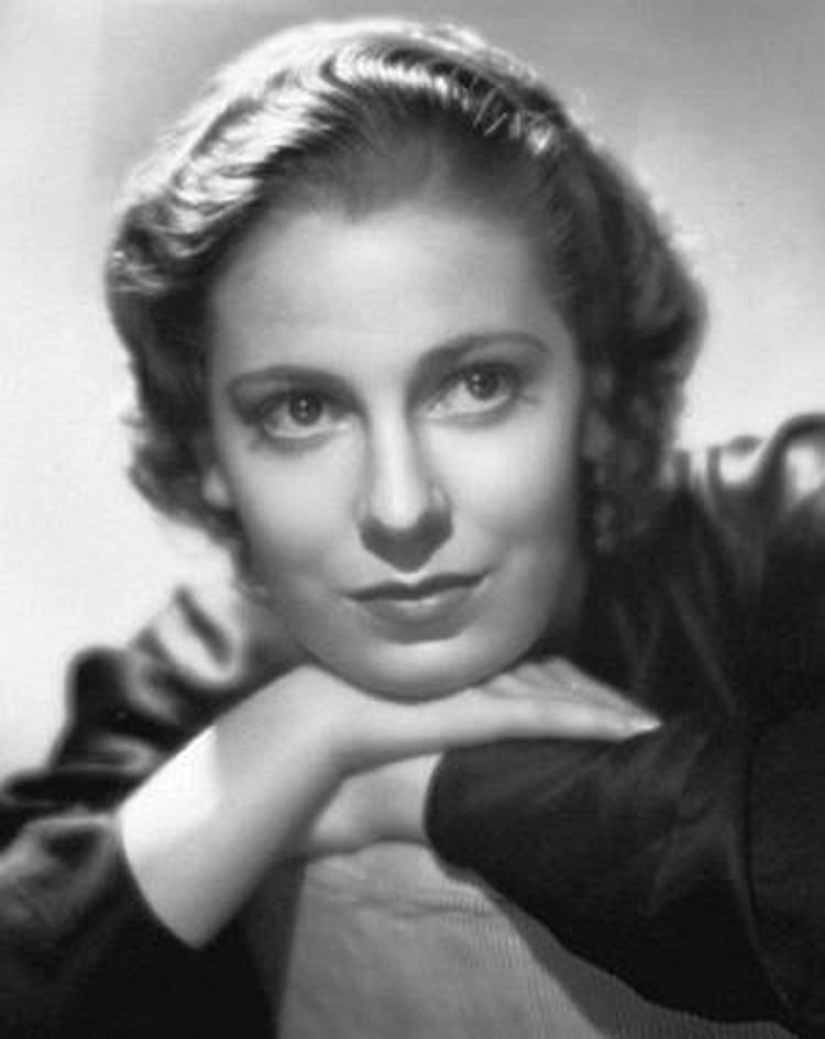 Супруга Профьюмо кинозвезда Валери Хобсон.