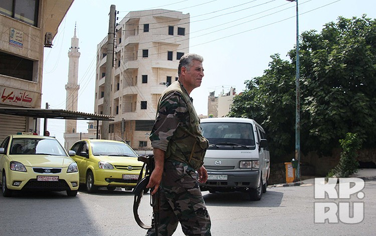 Командование 63 сирийской бригады выделило спецкорам «КП» военное сопровождение.
