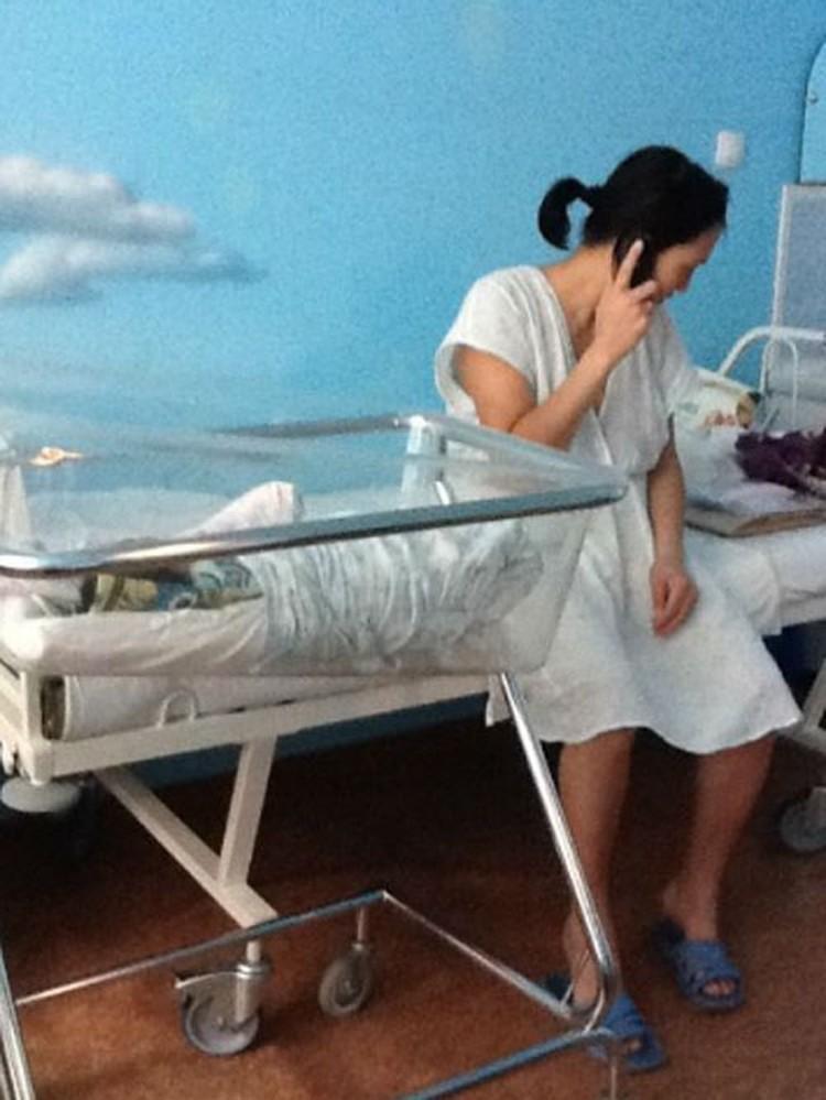 Нелегальная мигрантка Жумакан родила в Москве уже четвертого ребенка.