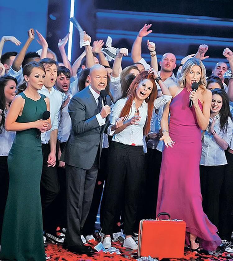 «Битва хоров», «Большие танцы» - Наталье Стефаненко удается вести масштабные шоу. а После их окончания участники продолжают писать ведущей через интернет.