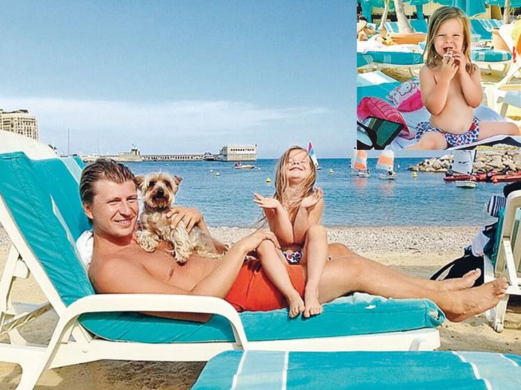 На отдыхе в Монако  с дочкой Елизаветой.