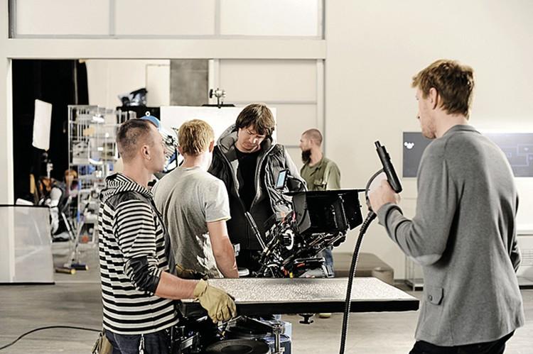 Над вторым сезоном съемочная группа работает с удвоенным энтузиазмом: любовь зрителей греет.