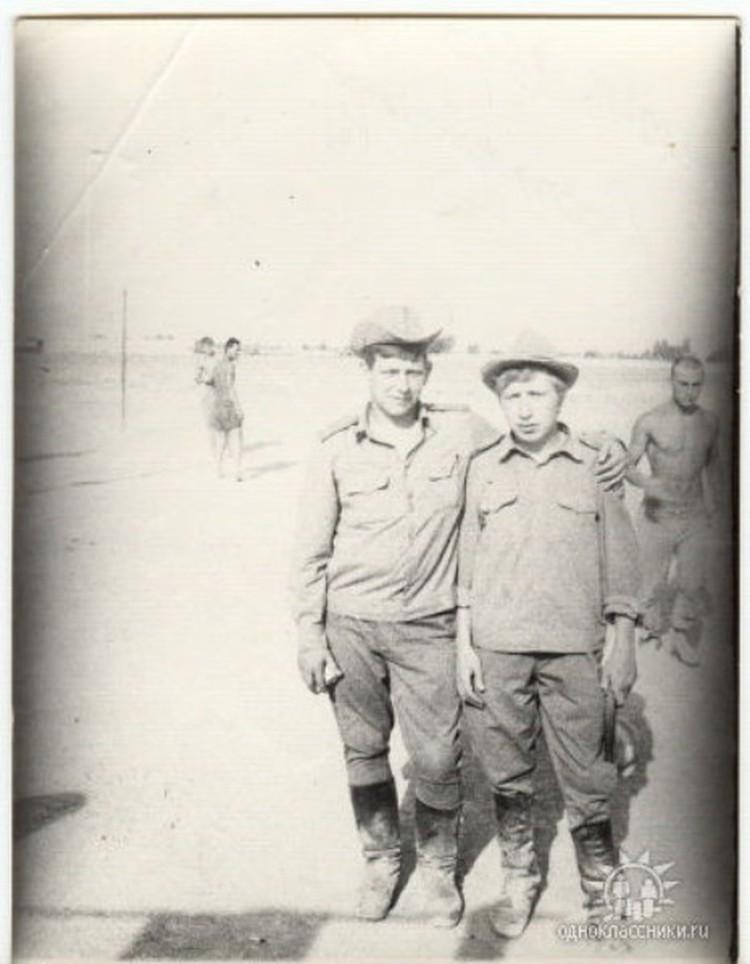 Олег Пермяков (справа) и его сослуживец Александр Кобылин