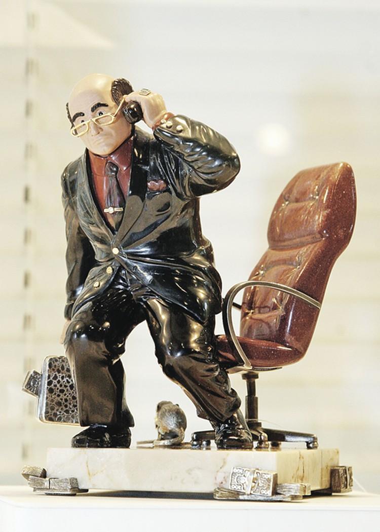 БАБ не желал играть «кукольные» роли. Но его смерть вдохновила умельцев, торгующих сувенирами.