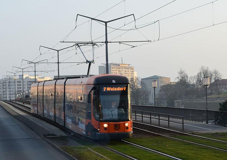 Легкорельсовый транспорт, предлагаемый Вучиком, может разгоняться до 100 км/ч