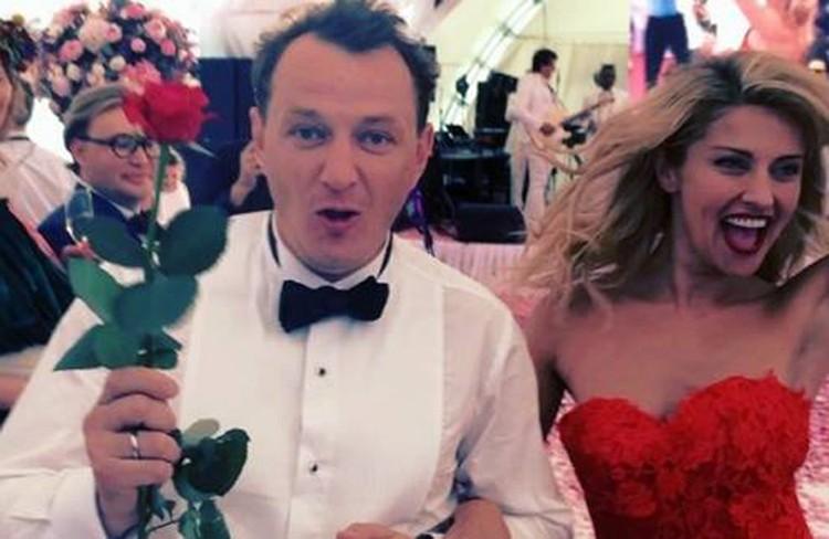 Их свадьба была скоропалительной