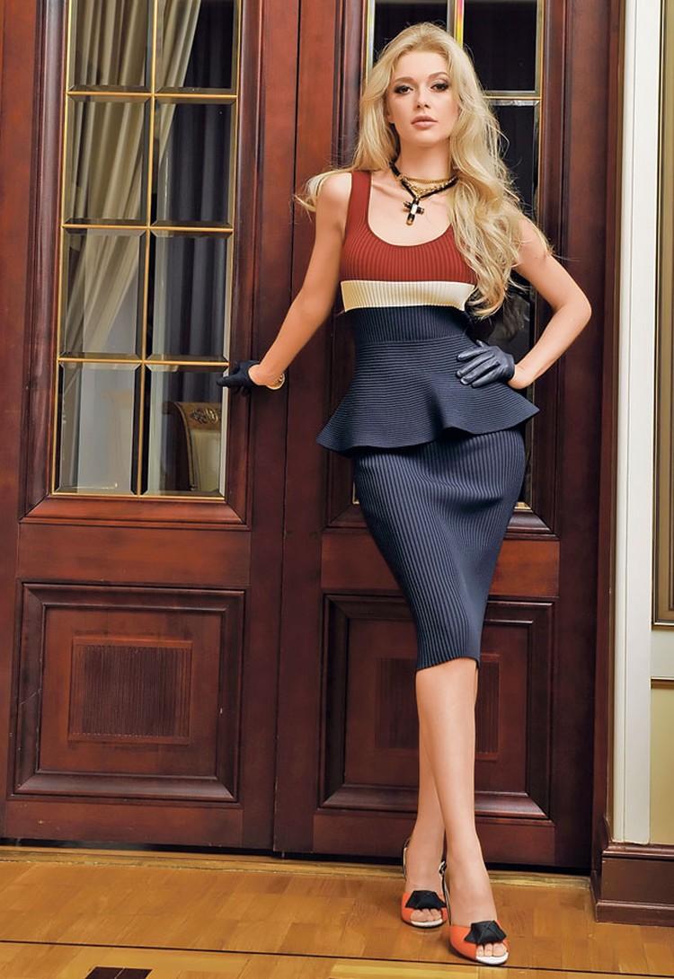 Эрика не всегда была эффектной красоткой - несколько лет назад она весила на 30 кг больше. На Эрике: платье Sportmax Code, ожерелье To Be Queen, митенки To Be Queen, босоножки Fratelli Rossetti.