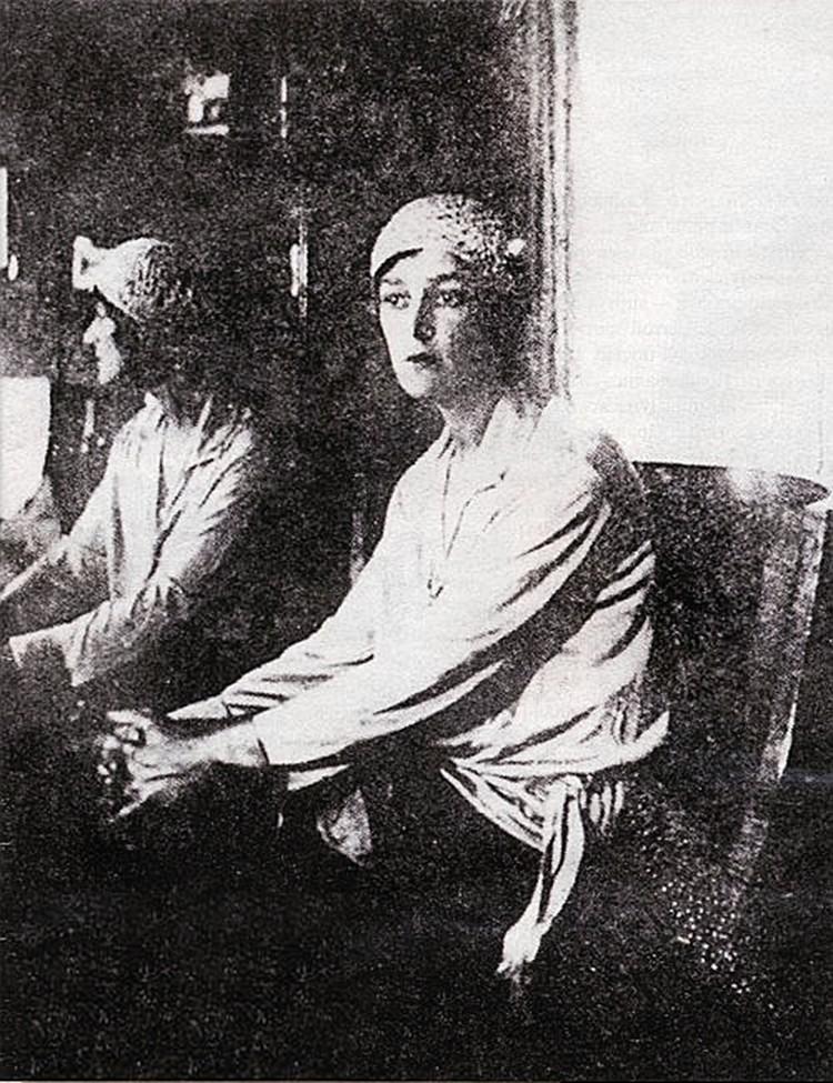Танцовщица Наталья Гаярина была гражданской женой Дунаевского около пяти лет.