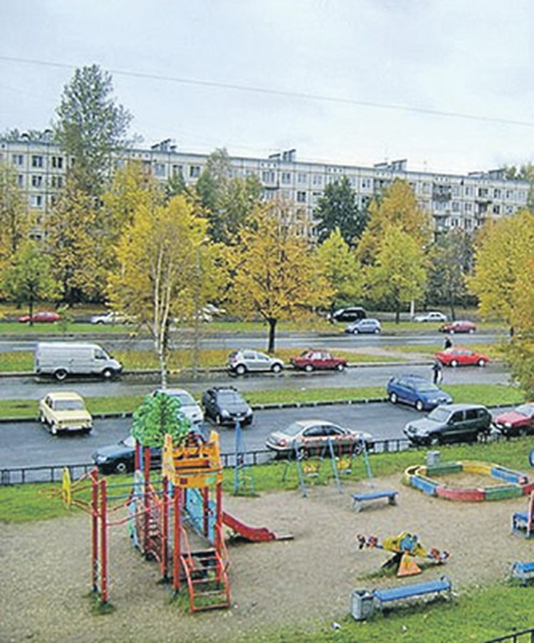 Та самая детская площадка на проспекте Науки. Фото - vk.com