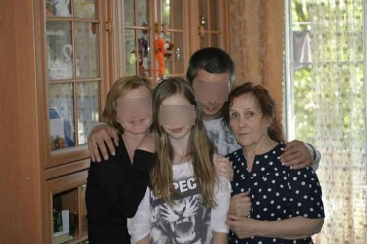 Рауза Галимова на фото справа была скромной и честной женщиной. Семейный архив