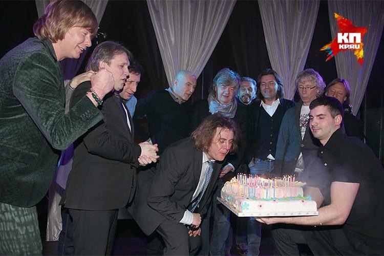 Торт для юбиляра.